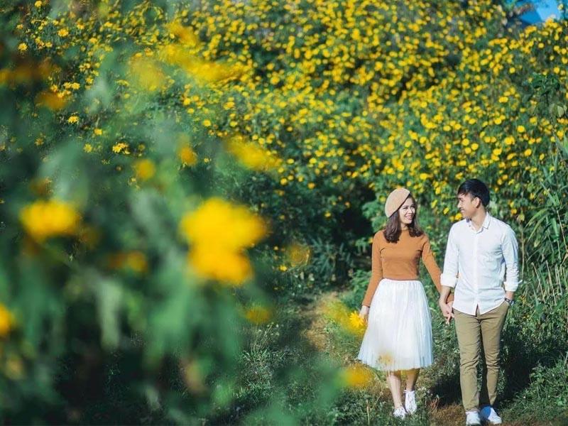Mùa hoa cũng là thời điểm để các cặp đôi du lịch, lưu giữ cùng nhau nhiều kỷ niệm đẹp
