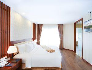 LADALAT-HOTEL-DELUXE-DOUBLE-2