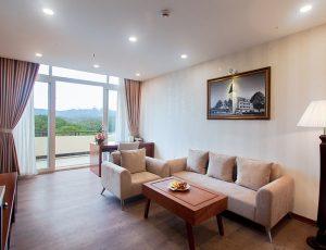 LADALAT-HOTEL-EXECUTIVE-SUITE-BROWN-2
