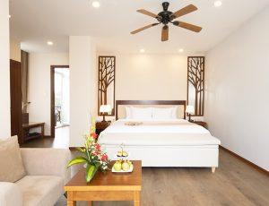 LADALAT-HOTEL-EXECUTIVE-SUITE-BROWN-9